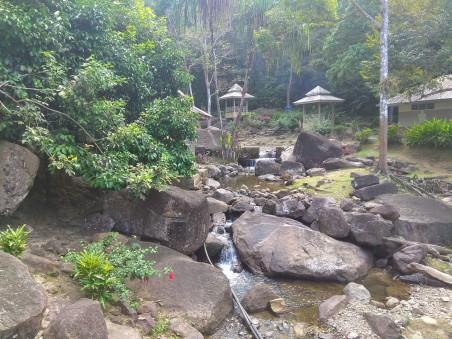 Duria__Perengin_Waterfall_2