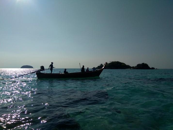 Boat taxi mezi Ko Lipe a Ko Adang