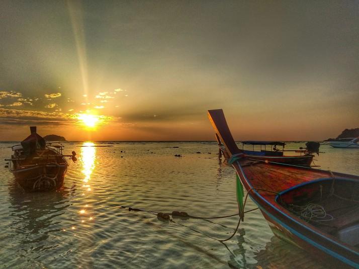 Východ slunce na Sunrise beach, Ko Lipe