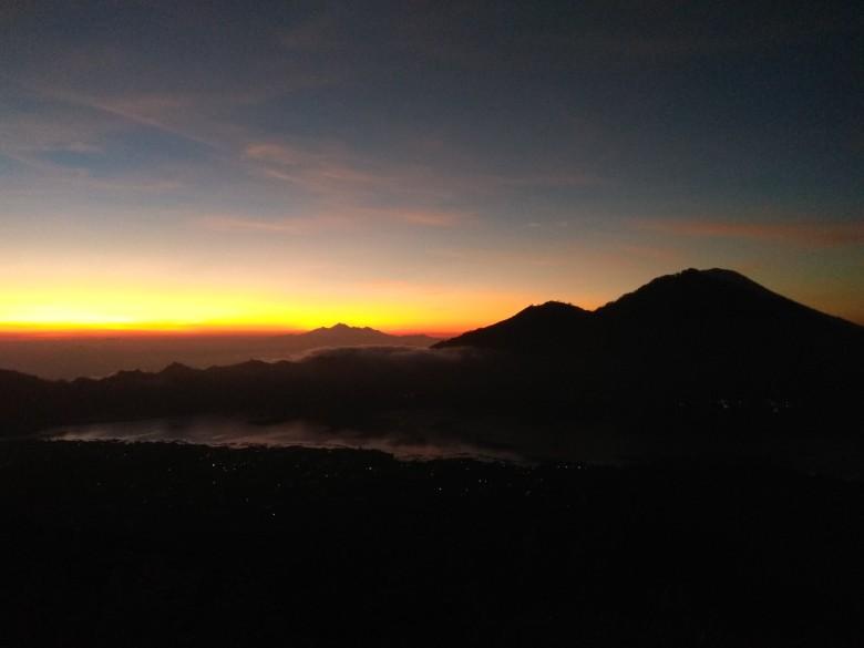 Východ Slunce na Mt. Batur